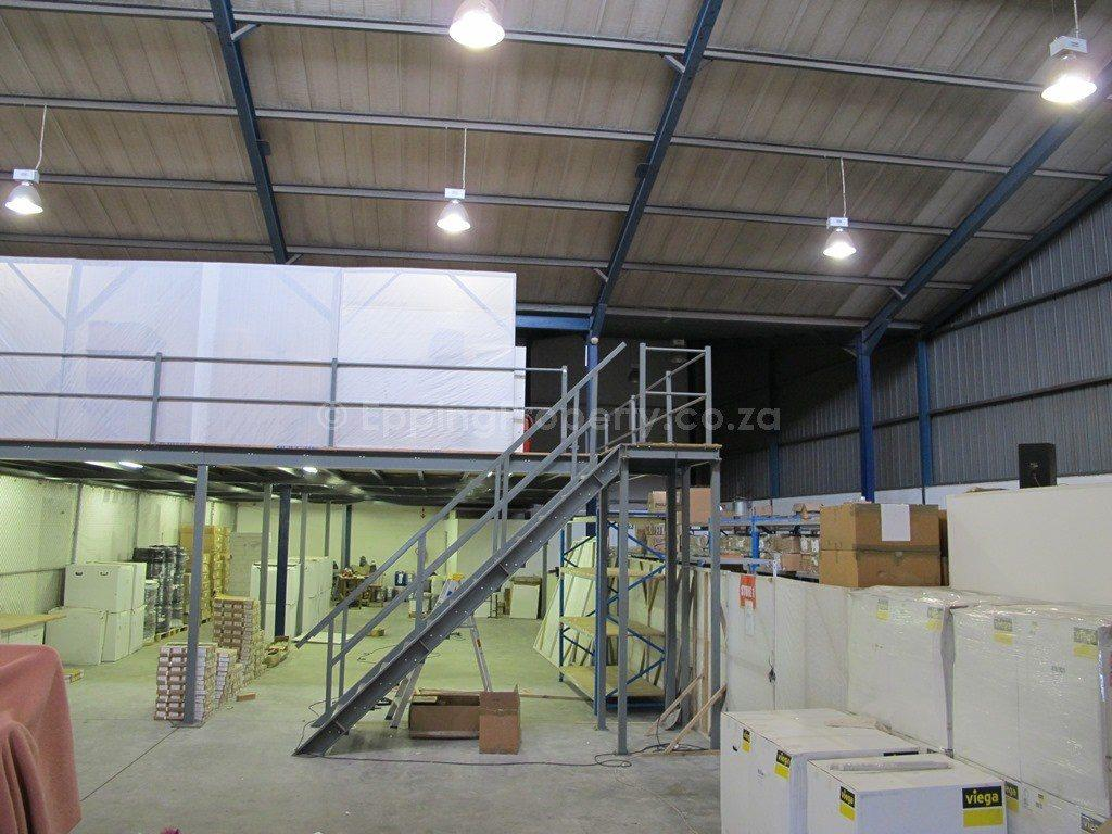 Warehouse To Rent In Thornton Close To Epping Industria