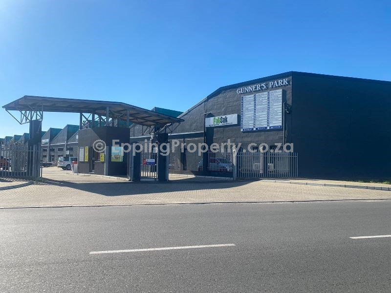 Factory to rent in Epping Industria