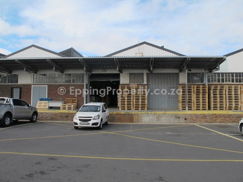 Factory Warehouse to Let in Epping